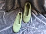 Paar Filzschuhe Lindgrün