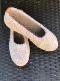 Paar Filzschuhe Leinen