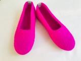 Paar Filzschuhe Pink