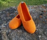 Paar Filzschuhe Orange